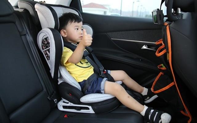 麦凯儿童安全座椅体验,安装拆卸都简单,轻便折叠易携带