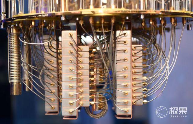 """能给全人类做""""大保健""""!全球首台量子计算机问世,性能爆炸外观骚!"""
