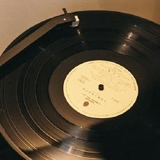 分身有术的极简黑胶唱片机 — HYM-DUO