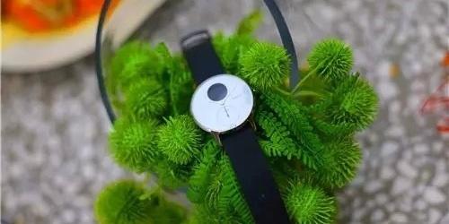 传统与智能的结合,兼具时尚与新潮 — 诺基亚Steel HR 智能手表