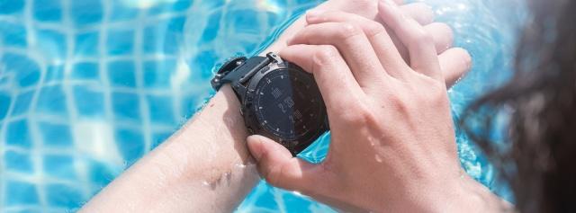 雪山、异国感受国产户外智能手表,为探索保驾护航——军拓铁腕5x航母限量版
