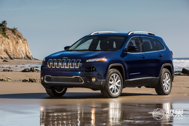 2017-Jeep-Cherokee-Limited-front-three-quarter-01.jpg