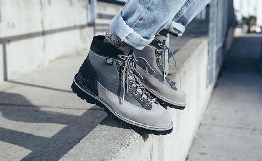NB联名Danner推出新款户外靴,冬季凹造型首选