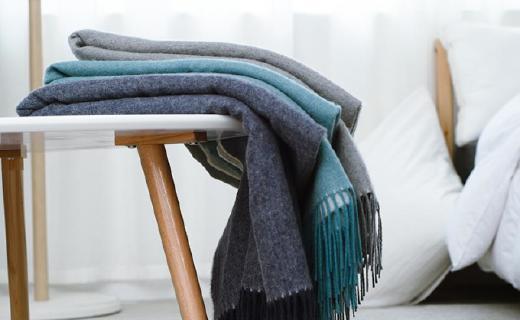 网易严选毛毯:澳洲羊羔毛天然纤维,AB两面一毯多用