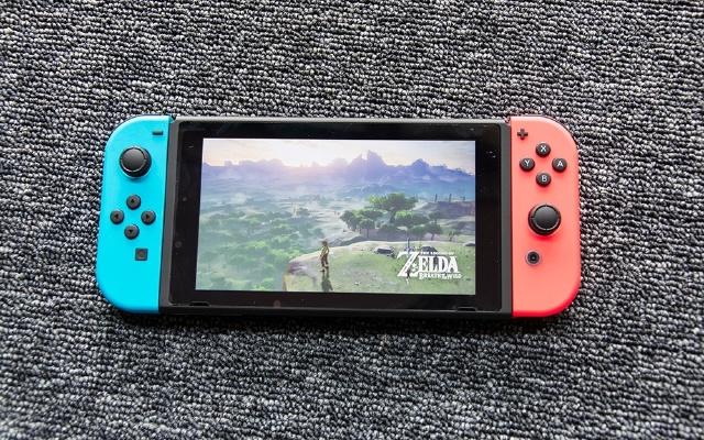 巴掌大小的游戏主机,却能爽玩儿时经典游戏 — 任天堂(Nintendo) Switch 游戏机体验