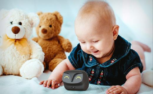 猫头鹰婴儿监视仪,宝宝一哭就报告,还能定时拍照