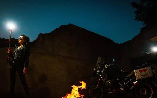 索尼夜拍利器神牛系统闪光灯,教你拍最牛灯光照