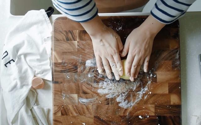 高颜值相思木材质砧板,抗菌防霉易清洗 — lcliving抗菌防霉砧板体验 | 视频
