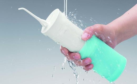松下便携式洁牙器:30秒清除牙垢,可伸缩设计超便携