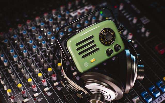 猫王·旅行者2号智能收音机
