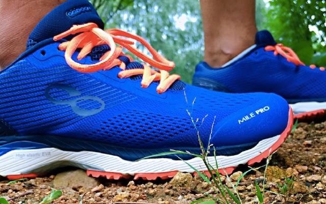 四重缓重、四重防护,咕咚21K超轻智能跑鞋体验