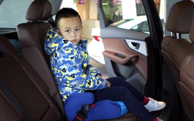 小孩一定要用儿童安全座椅吗?其实你有新选择