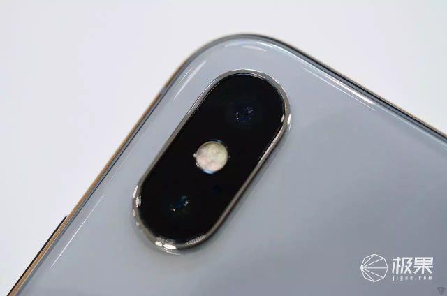 苹果史上最贵iPhoneX发布,剁手黑科技看一眼钱就没了