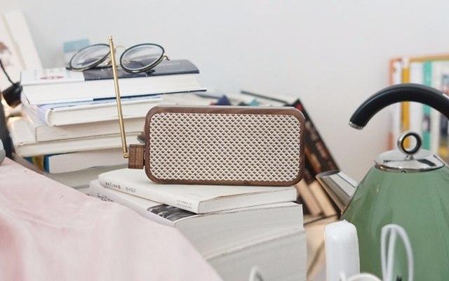 当随身听遇上收音机,复古颜值全频好声音 — 半导八音盒 无线随身听体验 | 视频