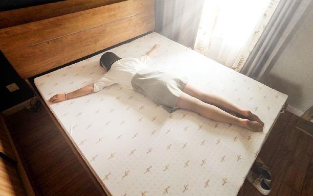别说话,躺下!这纯天然乳胶床垫躺下就高潮 | 视频