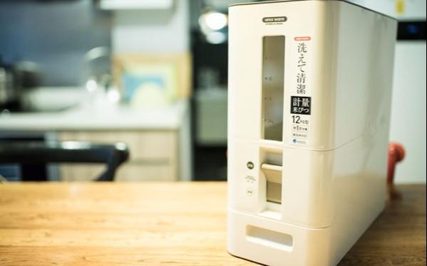 隔绝尘埃,日本家庭都在用的谷物收纳神器 — Asvel 计量型米桶实测体验