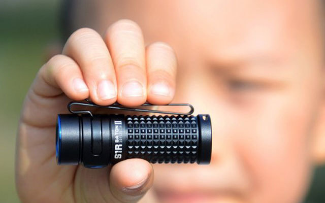 OLIGHT 傲雷S1RII手电评测,轻便小巧却能疯狂输出
