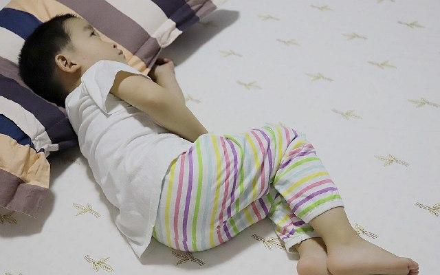 善待你的8小时睡眠,Royal King乳胶床垫体验 | 视频