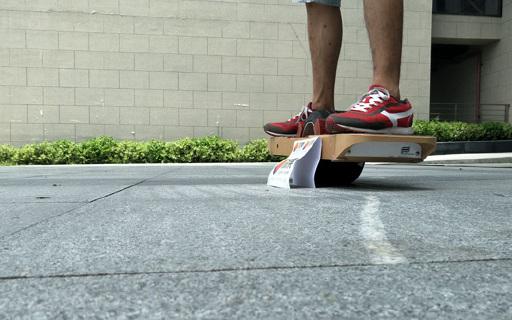 是最骚的~那个路上冲浪的Surfwheel 独轮平衡电动滑板