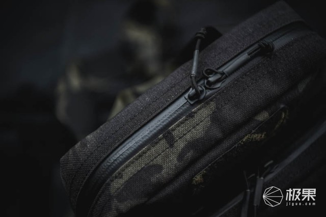 """通勤""""好基友"""",腰包虽小,规划齐全!——YHGEAR猎豹战术单肩包测评"""
