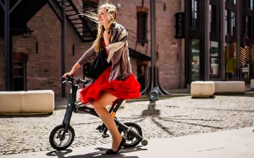 可以折疊的電單車,2 秒鐘就可以收好