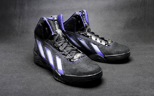 adidas Adipower Howard3篮球鞋:无缝鞋面支撑双脚,高帮保护脚踝