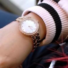 64颗奥地利宝石、深海珍珠贝表盘,小米有品这款手表仅售369