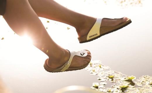 火了百年的德国凉鞋纪梵希Kenzo都在抄,下单不到200块