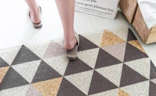 卡乐美几何图案地毯:环保PVC材质安全健康,高弹去污丝圈强力去污