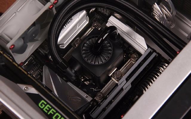 装机爬坑指南:ITX小钢炮怎么装?