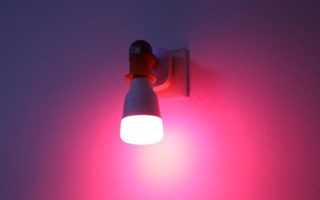 Yeelight LED彩光灯泡体验:擦出爱情火花秘密武器!