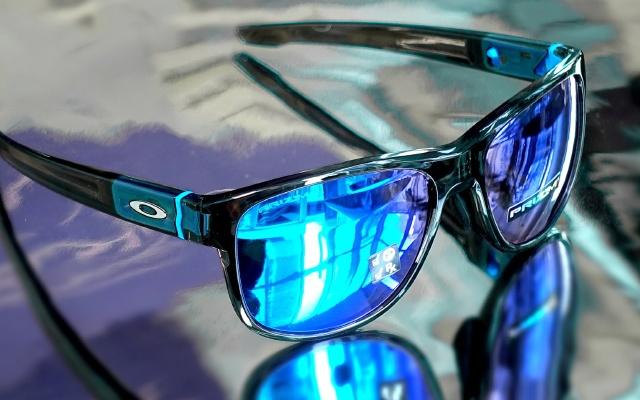 欧克利CROSSRANGE太阳镜,颜值高佩戴舒适