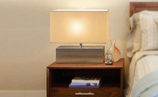 柏曼laila台灯:智能触摸调控静音设计,灯光柔和可3档可调