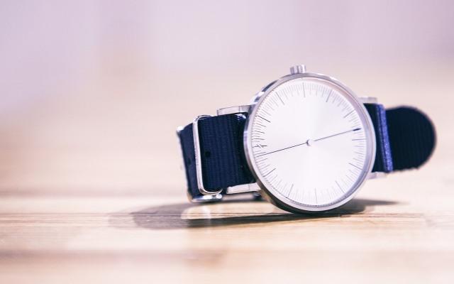 简约主义者 SIMPL手表,完美演绎时尚和美学 | 视频