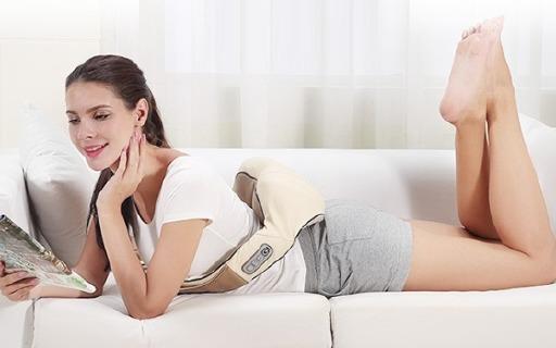 SKG肩颈按摩器: 红外热敷按摩,直击酸痛部位