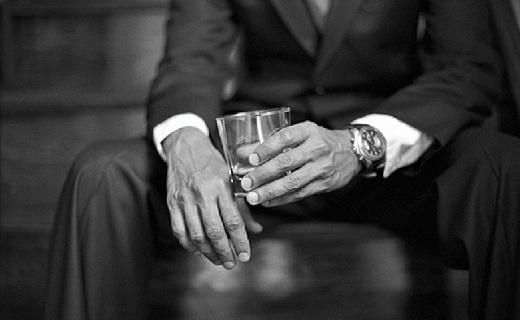 喝酒也要帅气优雅,赶紧拿上这几款威士忌酒杯!