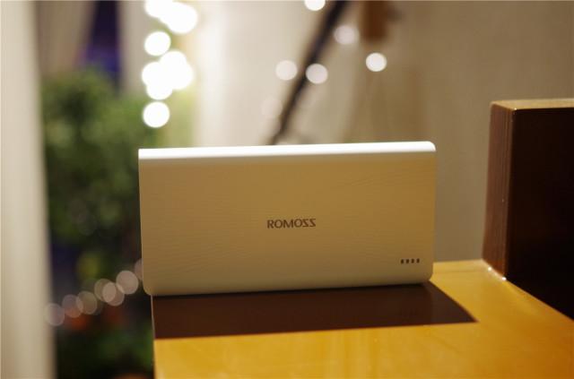 罗马仕(ROMOSS)sense6+20000毫装置副向快充充电珍