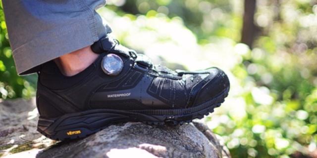 户外轻徒步,耐操又耐磨,自由兵徒步鞋测评