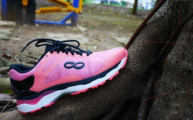 """洞悉内""""芯"""",成为更强大的自己 — 咕咚 智能跑鞋2.0体验"""