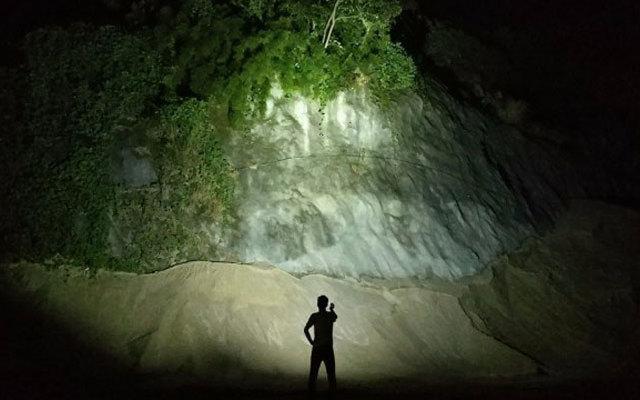 手电筒里的小怪兽,照亮半个小山峰,奈特科尔TM10K测评