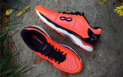 超强缓震+智能芯片,这跑鞋助我健康科学跑步 — 咕咚 2.0智能跑鞋体验