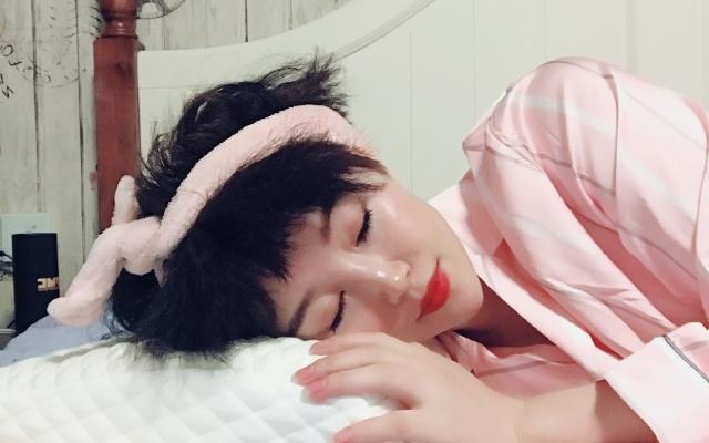 绮眠恒温零度棉双核枕享受云朵睡眠,梦境很香甜