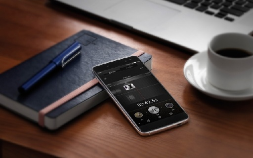 TCL 950 商务旗舰手机,全球上网不用换手机卡