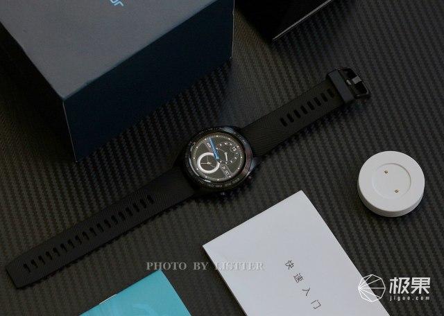 荣耀手表Magic体验,一款轻薄长续航的智能潮表
