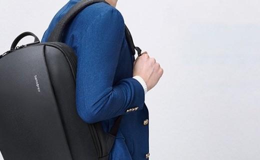 新秀丽14英寸双肩包:高密度织物结实耐磨,简约款百搭有型