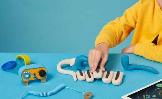 面团做玩具通电还能动?无毒能舔,比乐高还益智