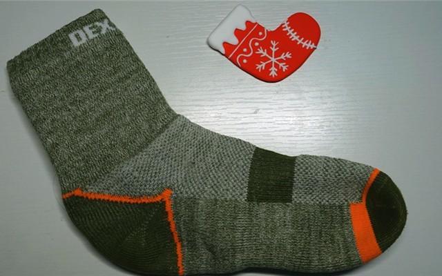 """穿着Dexshell防水袜不怕""""湿足"""",温暖一个寒冬"""