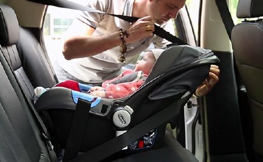 trottine提篮式安全座椅:注塑工艺牢固安全,一拎就走使用方便