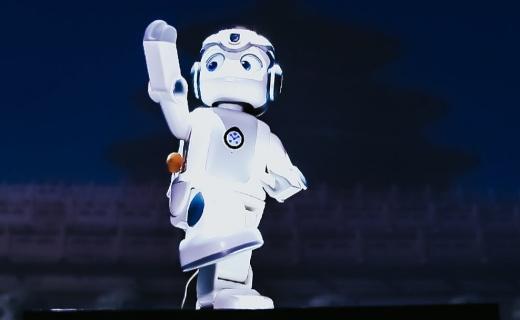 优必选悟空机器人发布:面向个人支持定制化,售价4999元