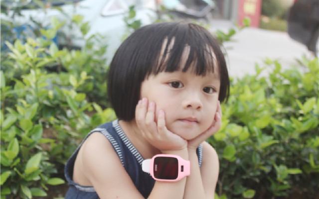 360 6C儿童手表:手腕上的照相机,移动的百科全书